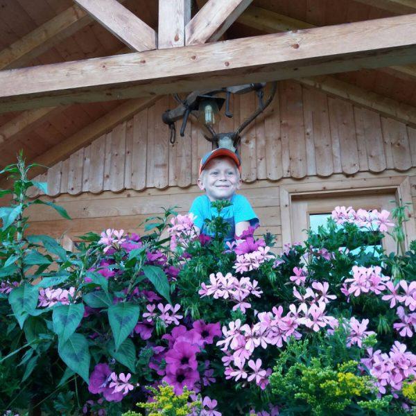 Gartenhaus mit Blumen beim Moserhof